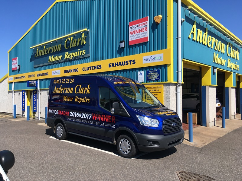 Servicesure garage becomes first ever business to retain Motor Trader Independent Garage of the Year title